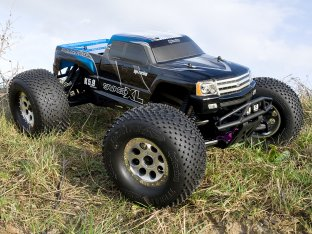 #10517 - RTR SAVAGE XL 5.9 WITH GT GIGANTE TRUCK BODY