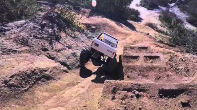 HPI TV Vidéos: Quickie 1973 Ford Bronco Crawler King Fun in the Sun!