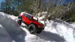 HPI TV Video: Venture FJ Cruiser So Cal Snow Adventure